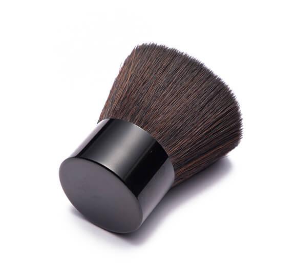 MB027 Kabuki brush1